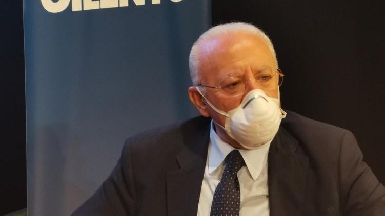 """Emergenza Covid in Campania, De Luca annuncia :""""E' indispensabile decidere subito il lockdown""""."""