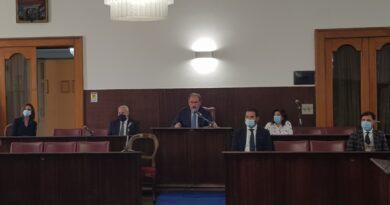 """Pompei, ecco la nuova giunta. Il sindaco Lo Sapio : """"Al lavoro con gli assessori per cambiare volto alla città""""."""